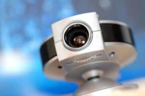 תמונה של מצלמת ip כתמונה אודות חיבור מצלמות אבטחה למחשב