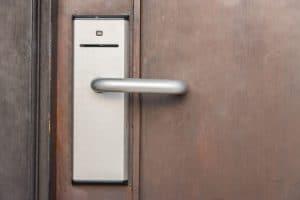 תמונה של מצלמת אבטחה לדלת