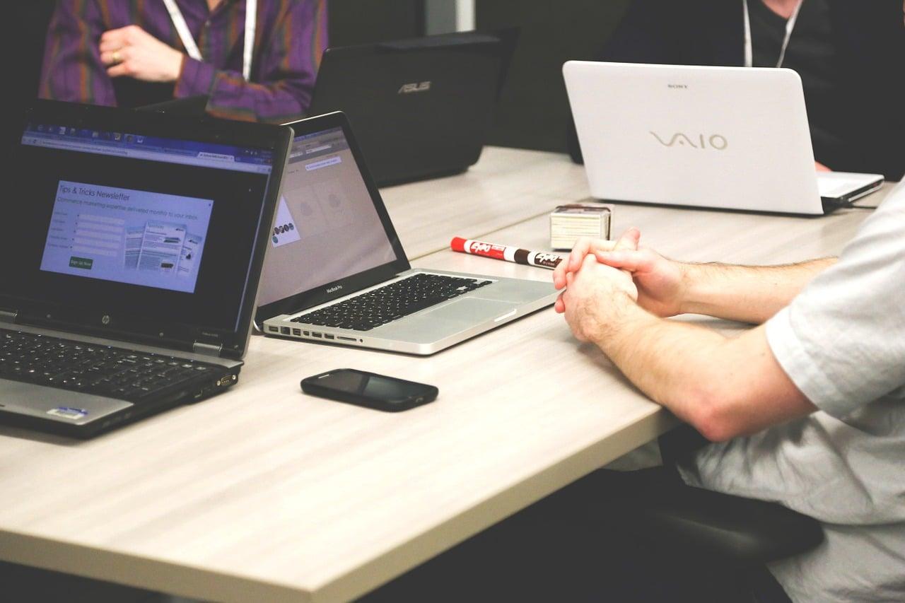הכנת תשתית תקשורת לעסקים